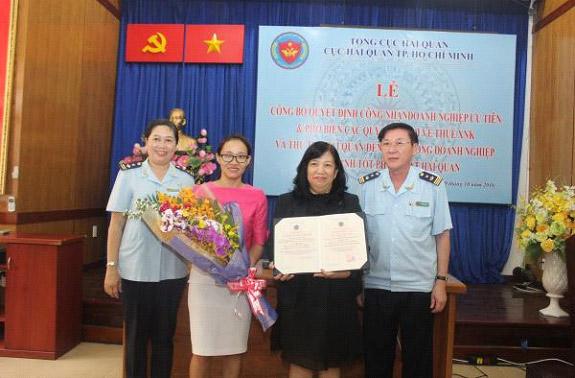 Daikin Vietnam được Trao Quyết định Doanh Nghiệp ưu Tiên